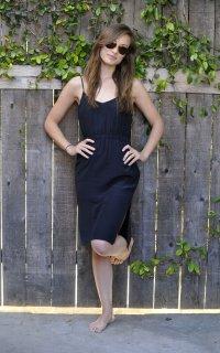 1. Ножки Olivia Wilde фото
