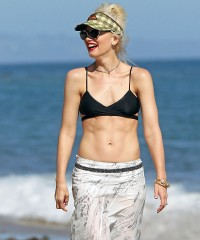 Грудь Гвен Стефани (Gwen Stefani)