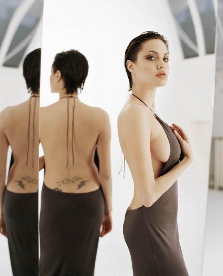 Порно видео Сиськи Анджелины Джоли смотреть онлайн